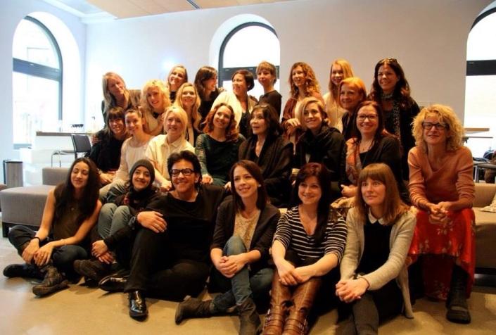 (Mars 2014) Master class en compagnie de Juiette Gréco et 25 chanteuses québécoises.  Archives personnelles de Monique Giroux.